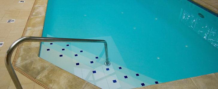 מתי חשוב לכסות את הבריכה?